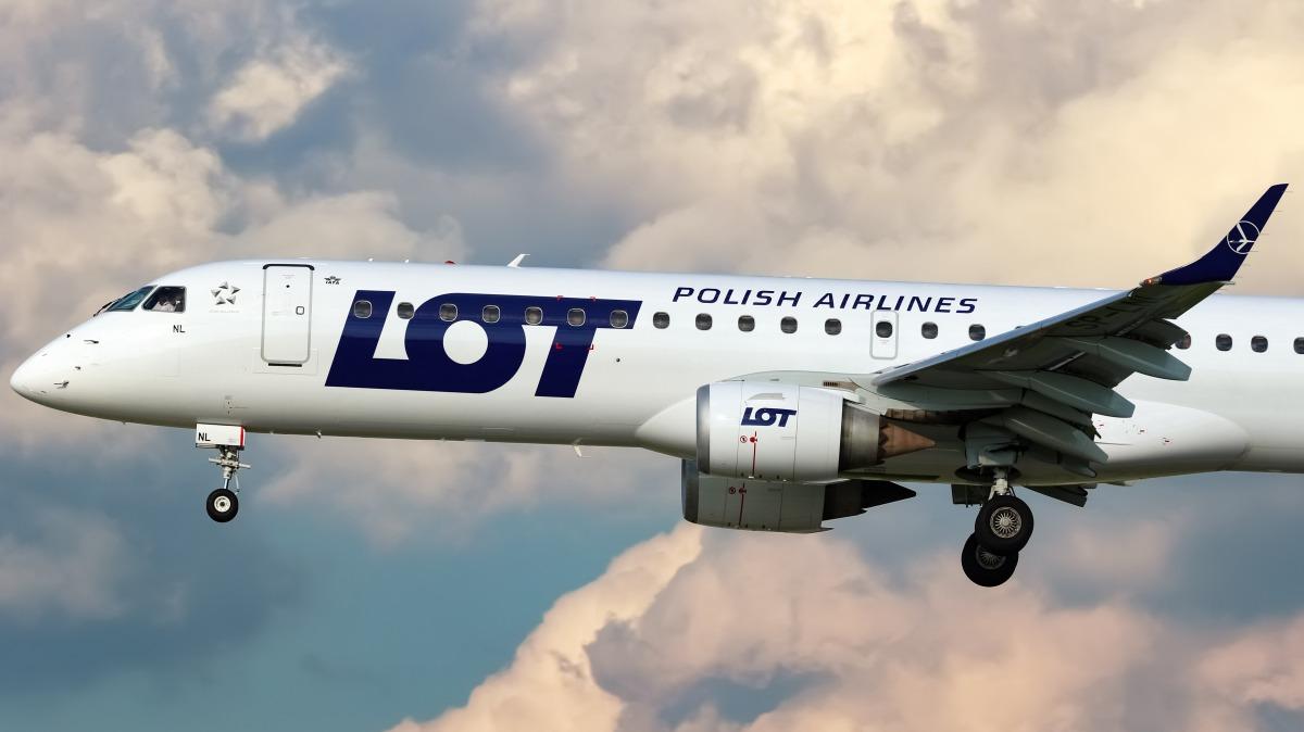 e49ba5ac6ddb Brüsszelbe és Bukarestbe is elvisz a lengyel LOT. Budapest Airport ...