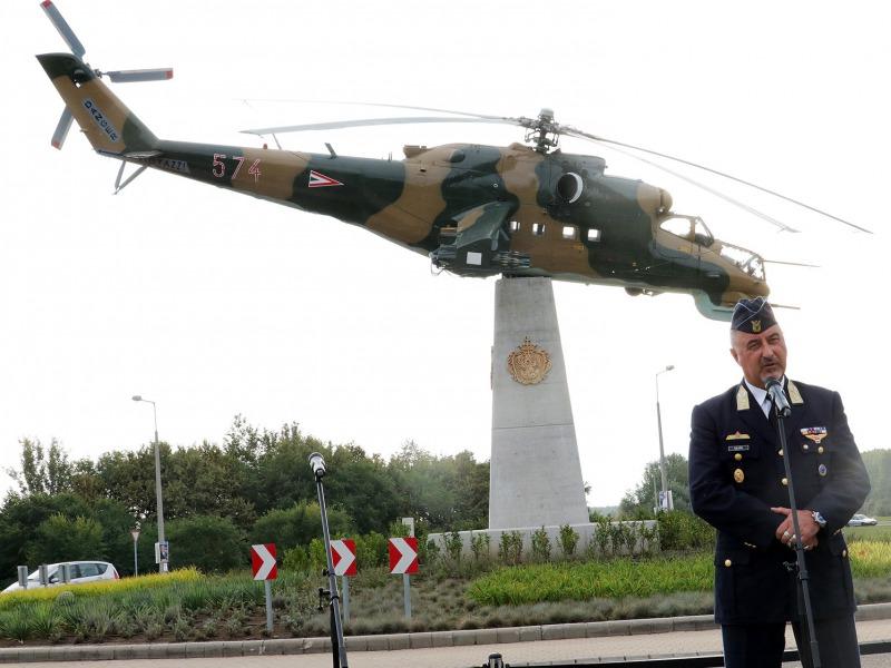 Kanadai fegyveres erők randevúja