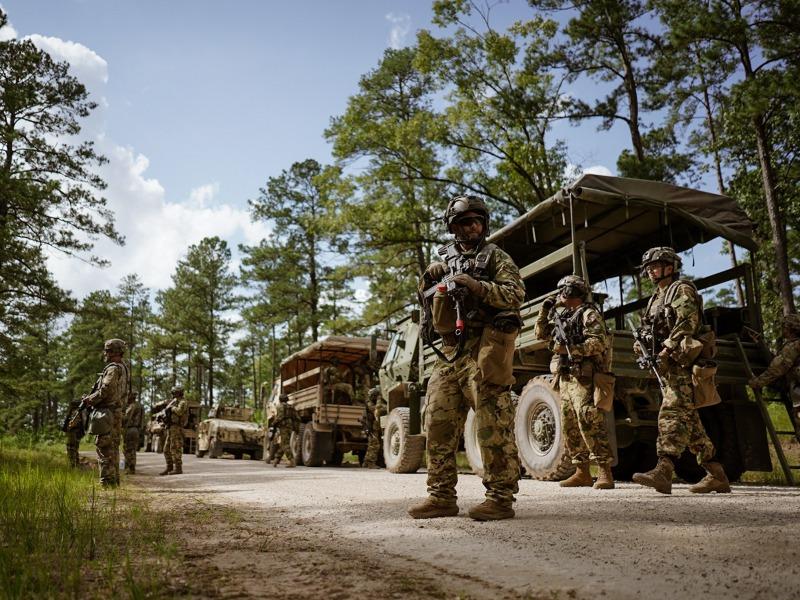 társkereső oldalon, hogy megfeleljen a katonai